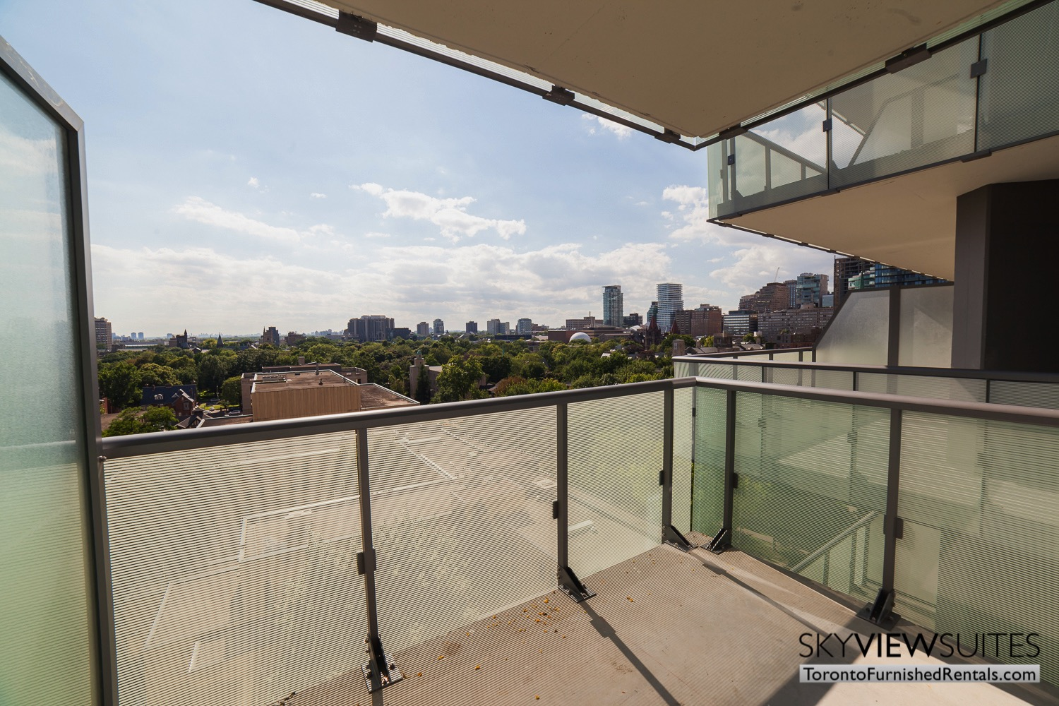 furnished-apartment- view-bay-and-bloor