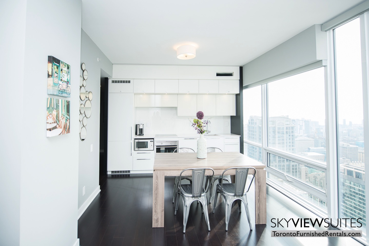 urnished-apartment- kitchen-bay-and-college