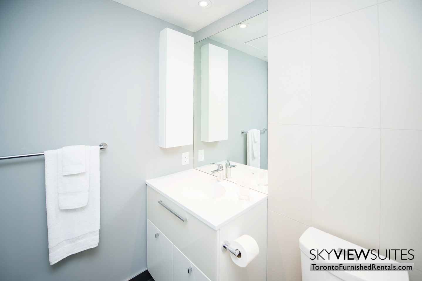 furnished-apartment- bathroom-bay-and-college
