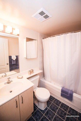 Liberty Village serviced apartments toronto bathroom