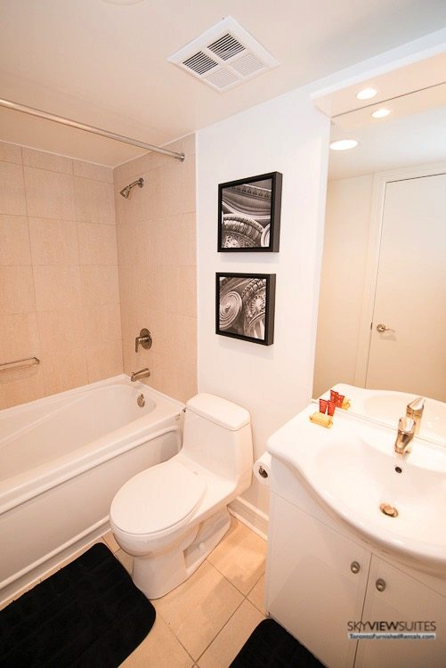 corporate rentals toronto Avondale bathroom with bathtub