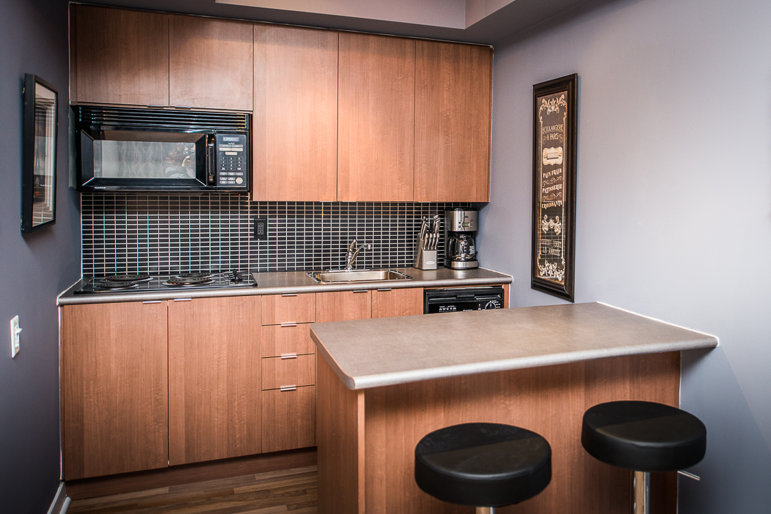 King and Yonge executive rentals toronto kitchen