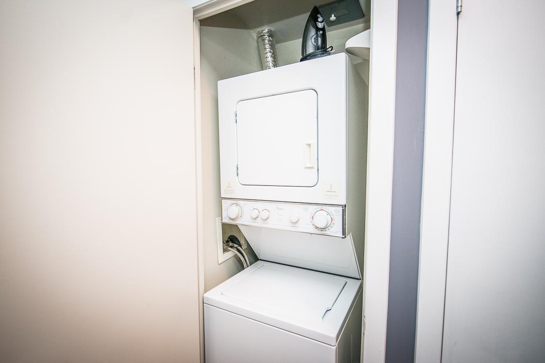 King and Yonge executive rentals toronto washing machine