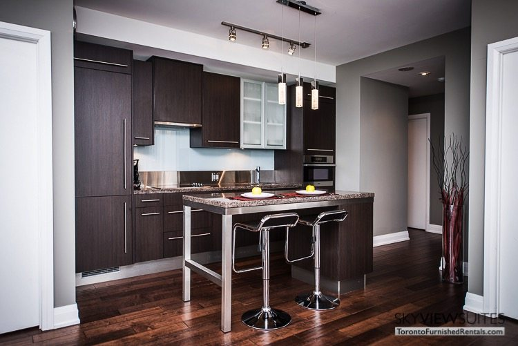 King and Spadina serviced apartments toronto kitchen