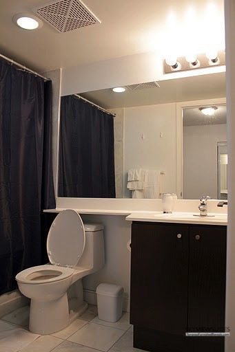 corporate housing toronto 1 Scott Street bathroom