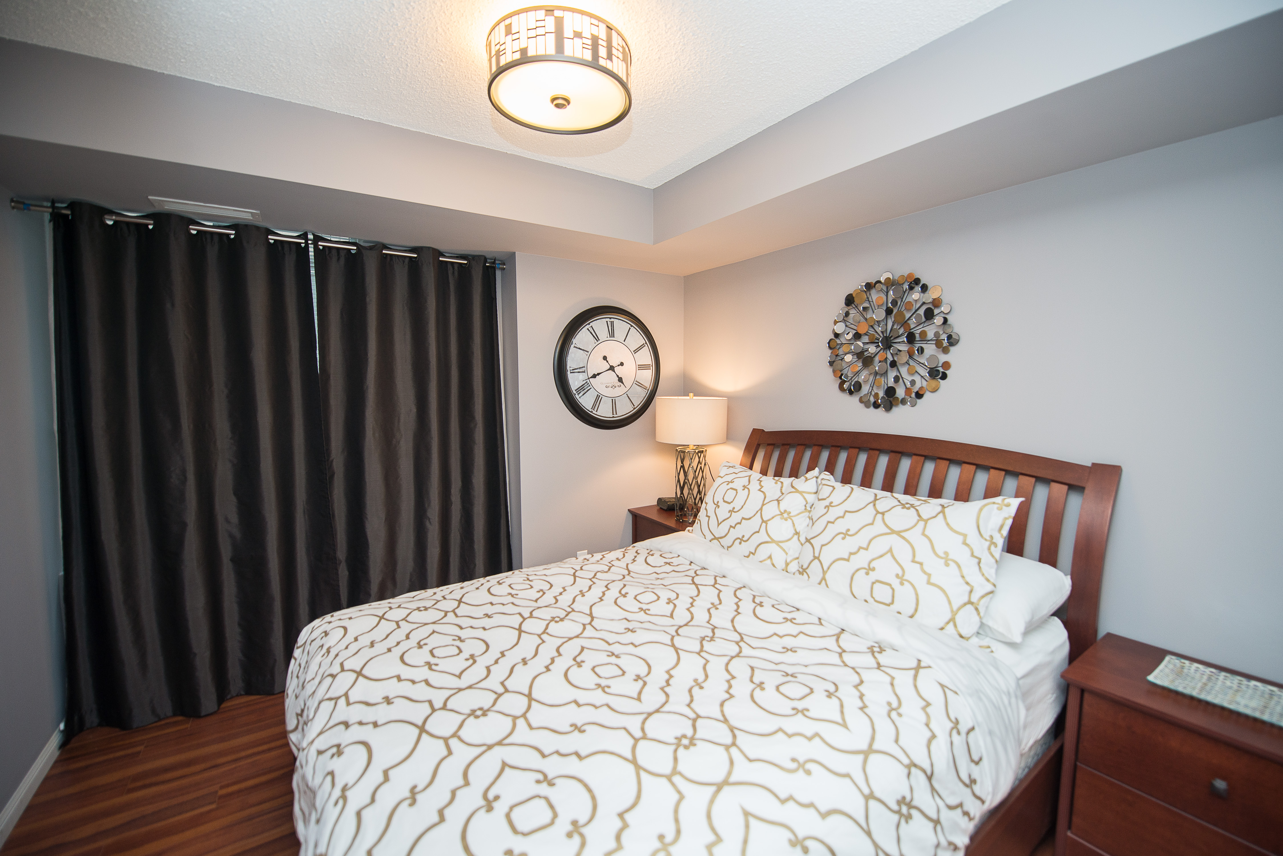 serviced apartments toronto financial district bedroom