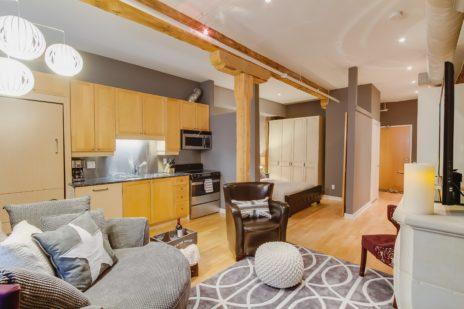 Toronto Furnished Apartment Saint Lawrence kitchen living room