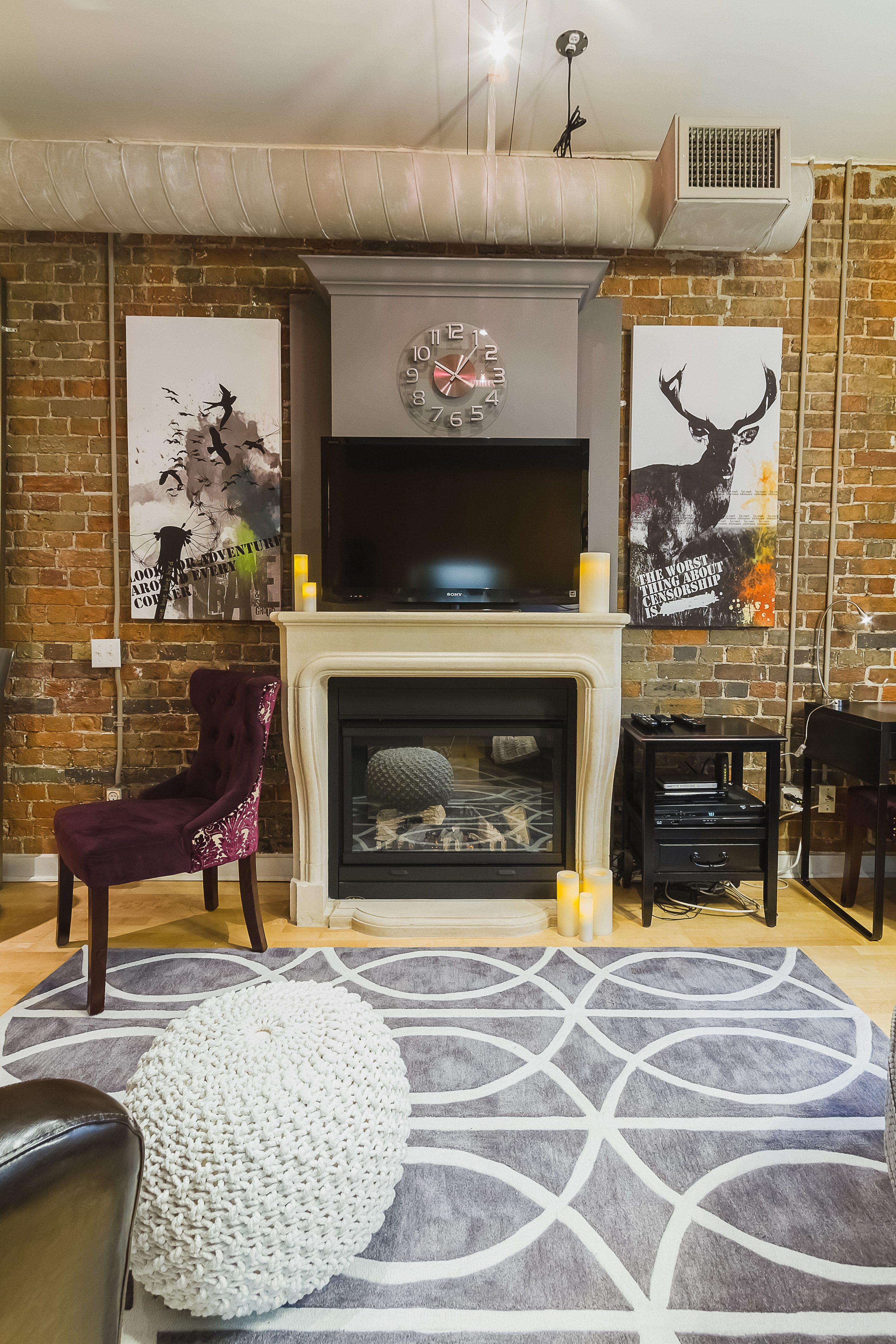 Furnished apartment toronto Saint Lawrence living room