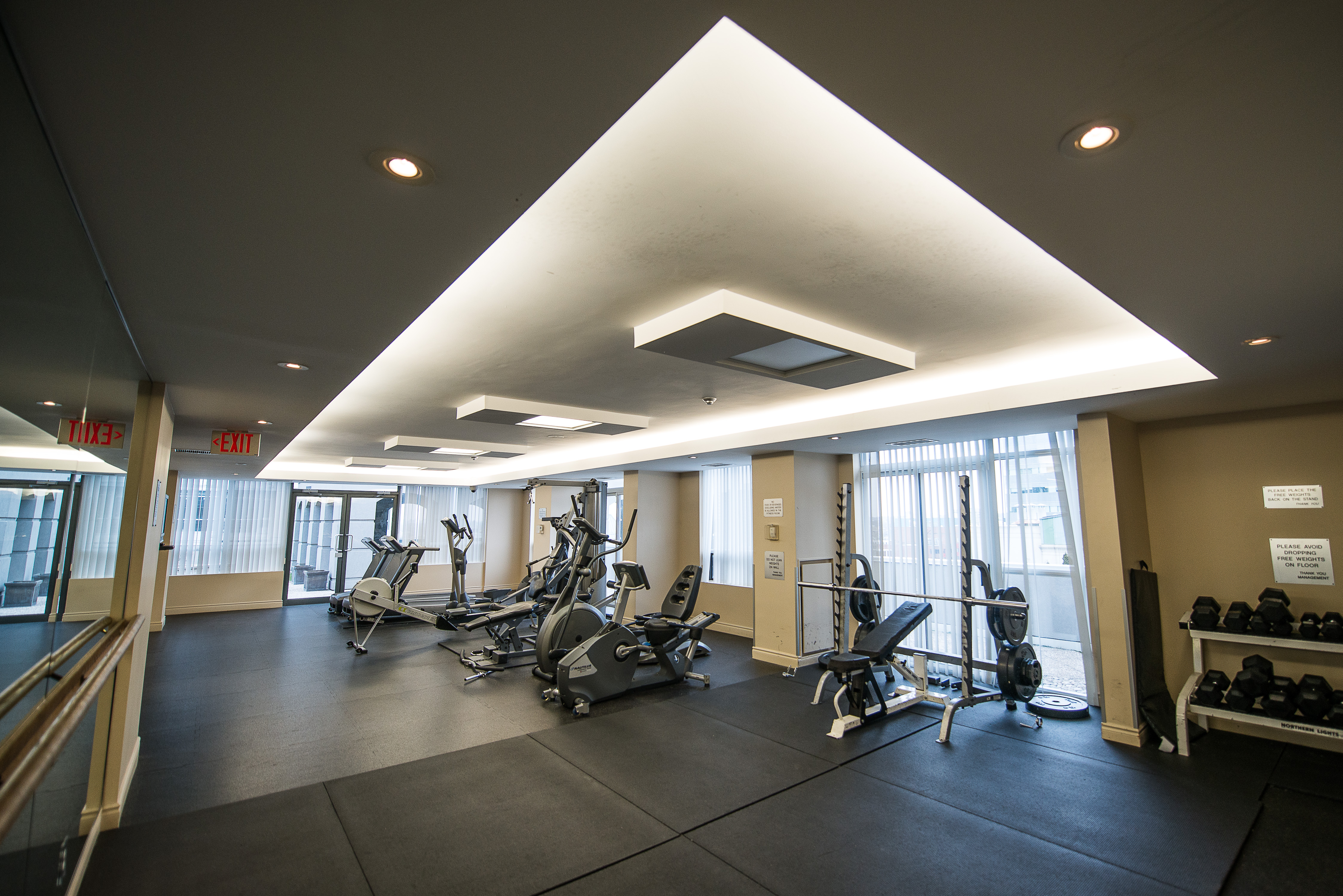 serviced apartments toronto financial district fitness centre