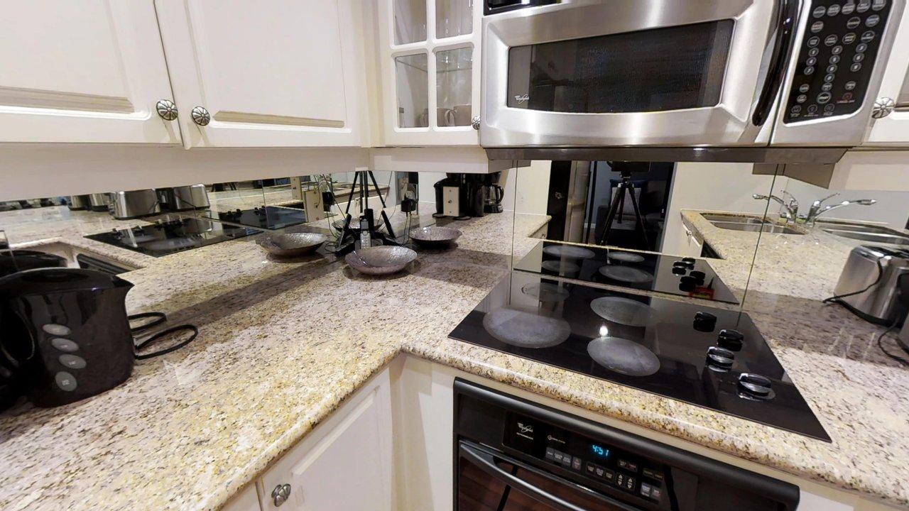 furnished apartments toronto university plaza kitchen stove and kettle