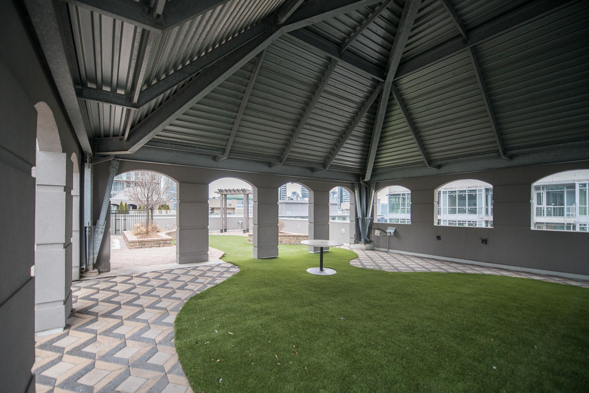 furnished apartments toronto university plaza gazebo