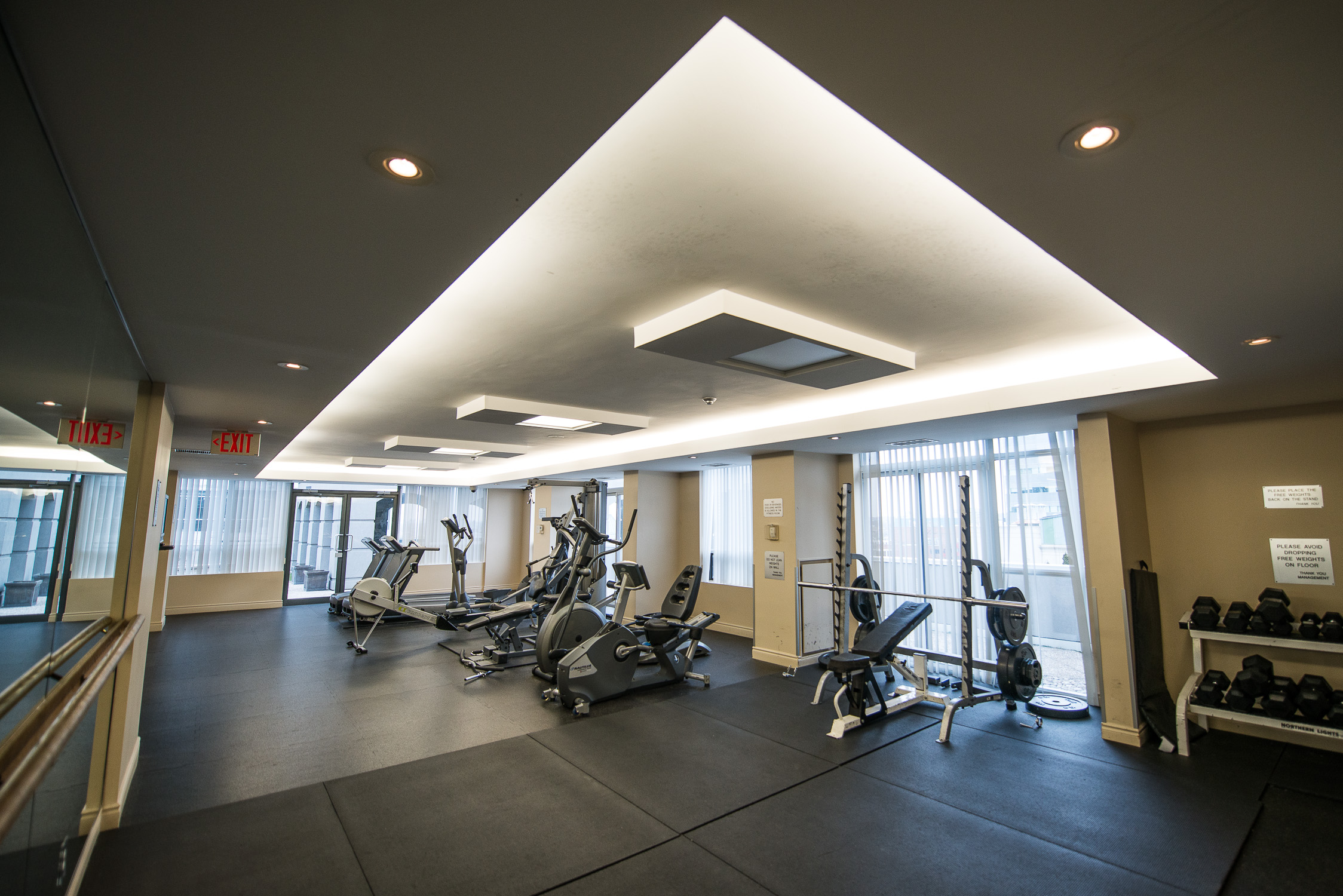 short term rentals toronto university plaza gym