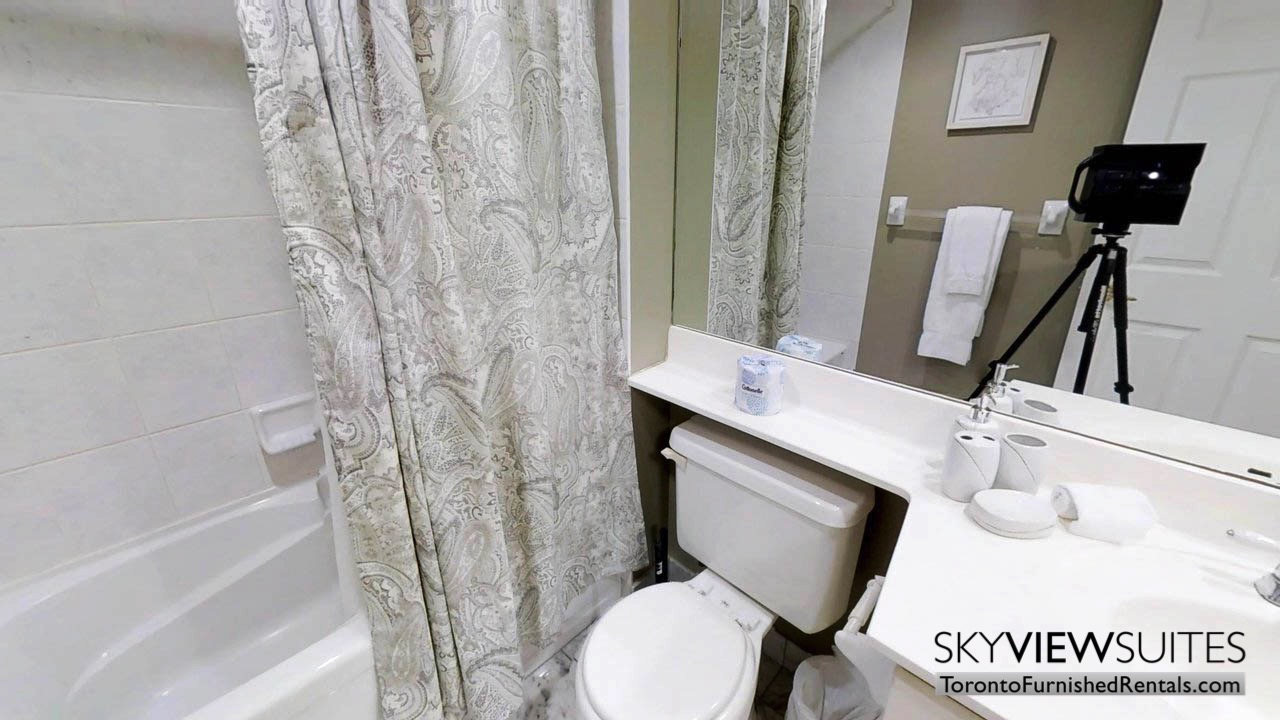 furnished rentals toronto simcoe and richmond bathroom