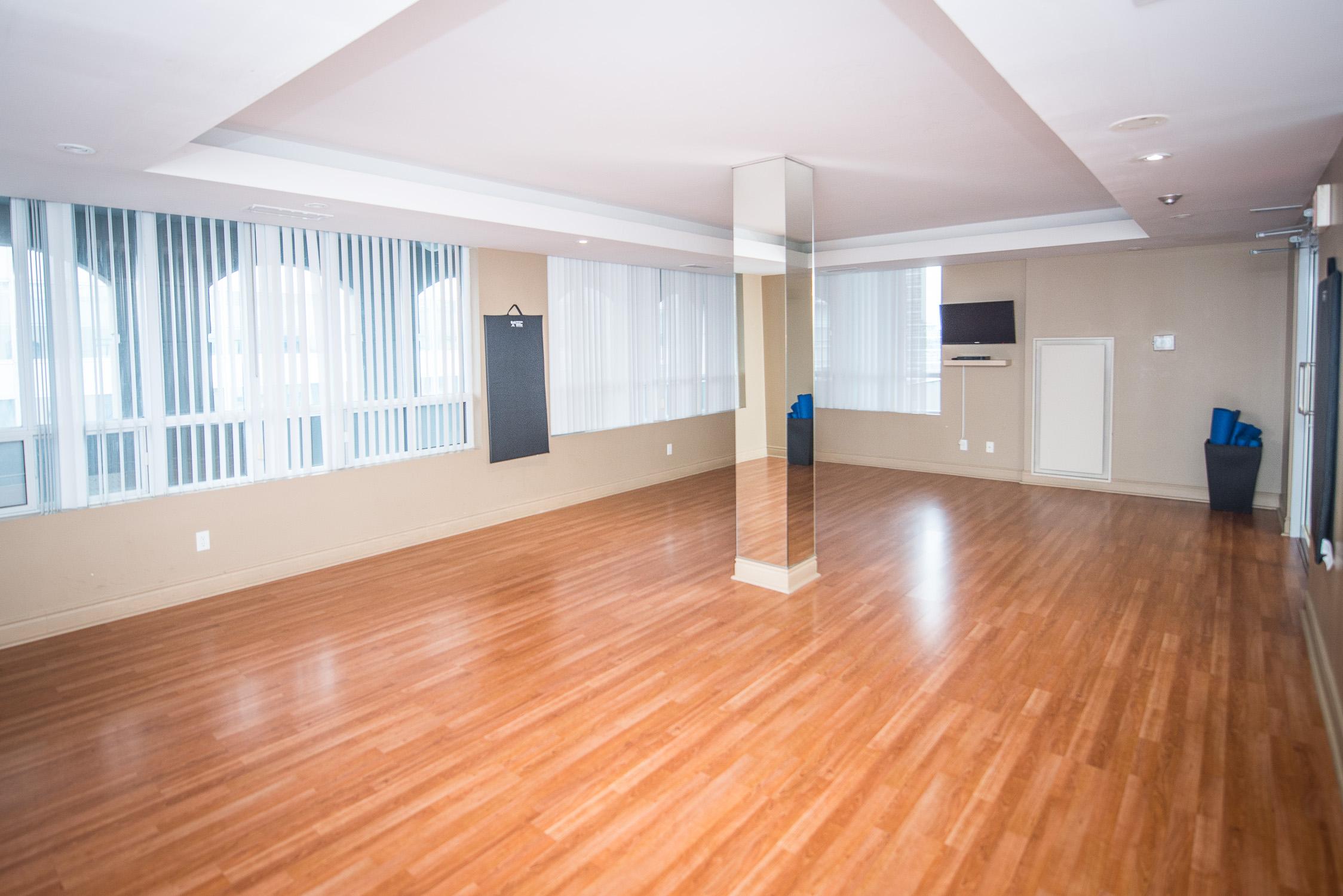 corporate housing toronto university plaza yoga room in fitness centre