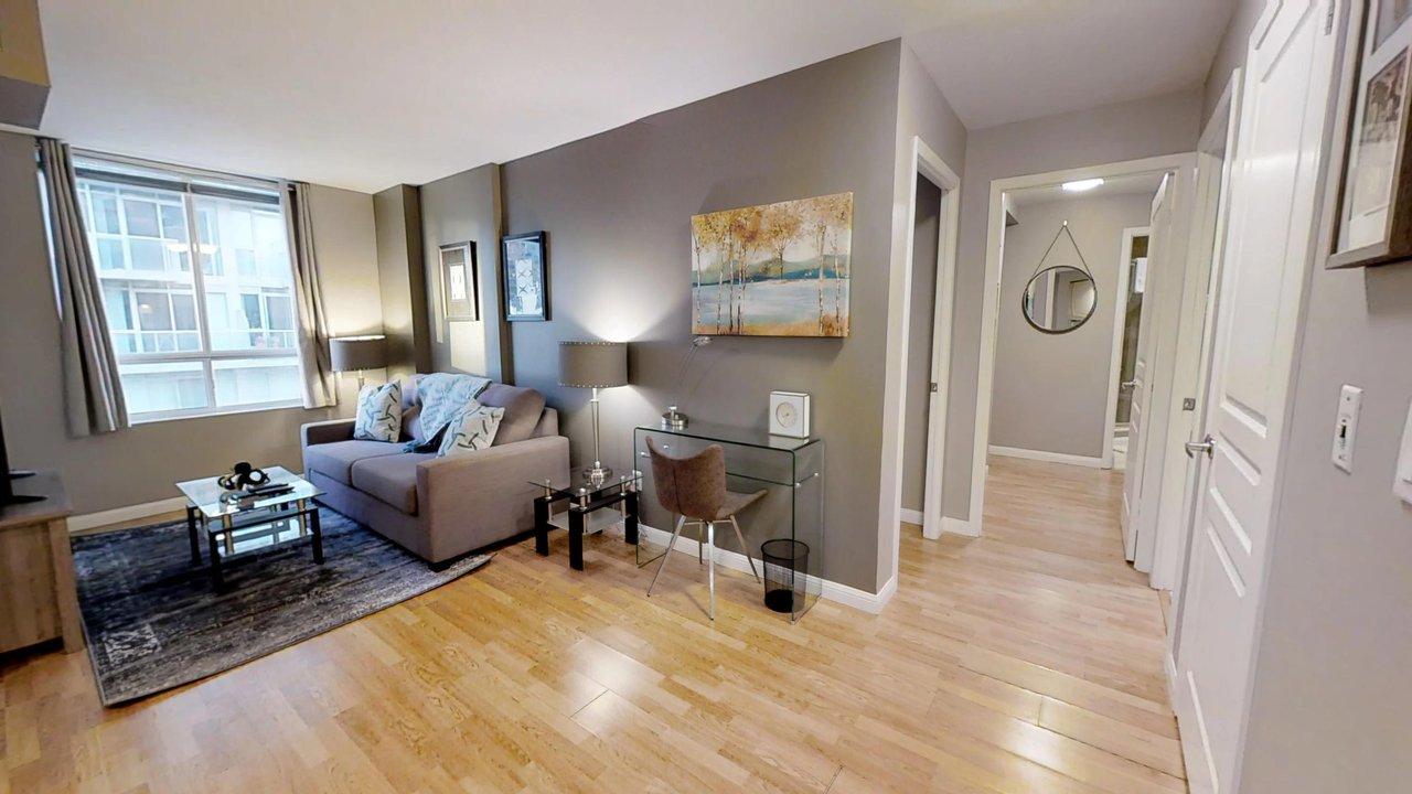 short term rentals toronto university plaza living room