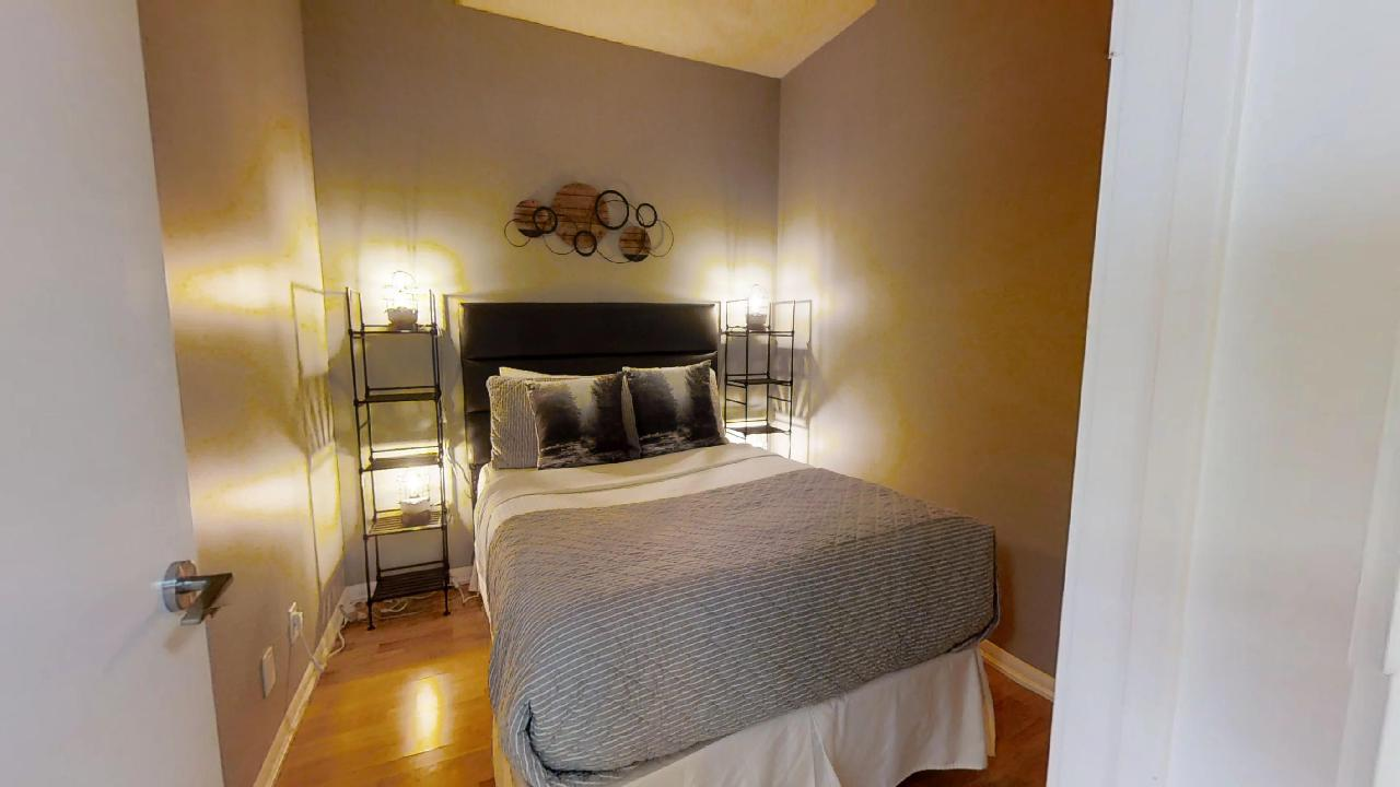 toronto three bedroom fully furnished extended stay apartment