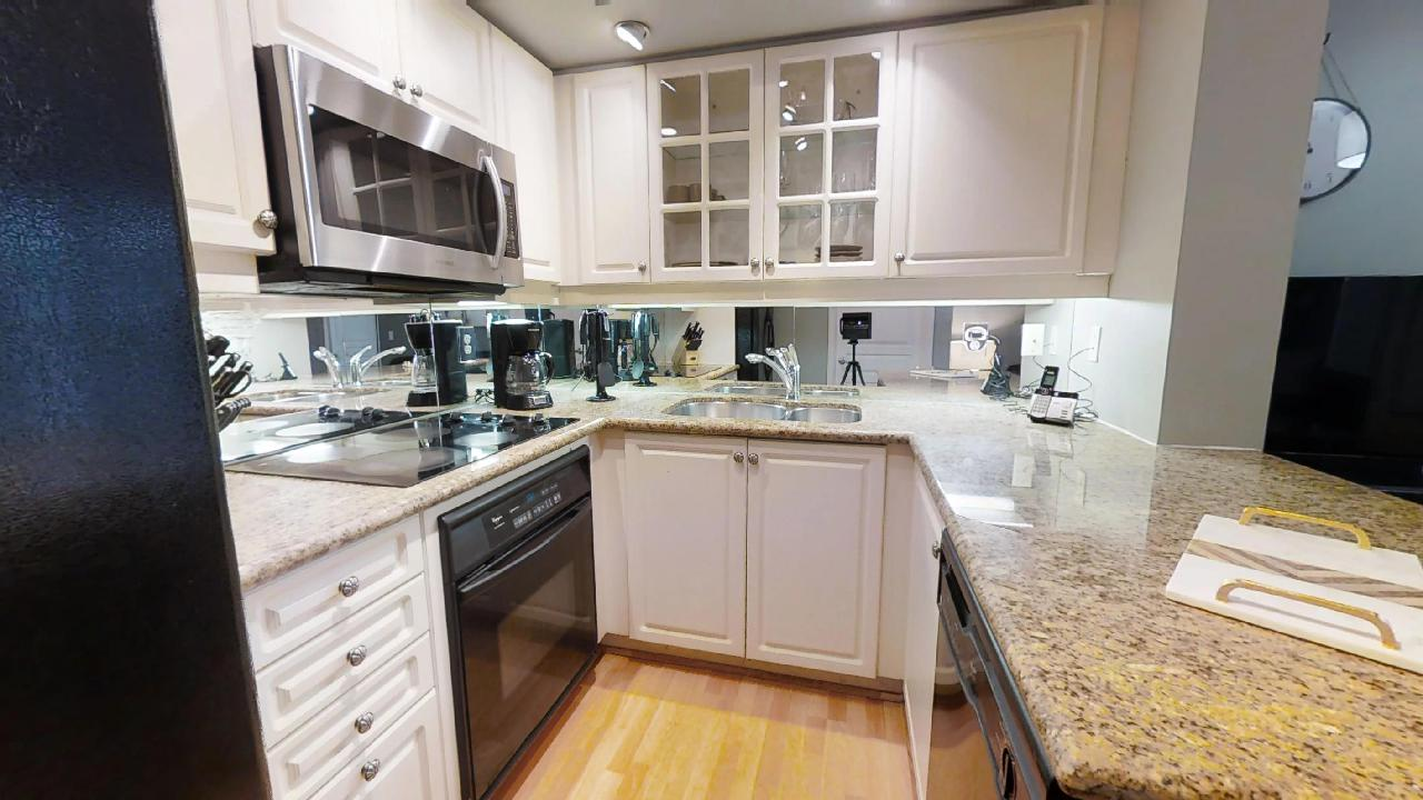 kitchen in toronto furnished apartment 140 simcoe