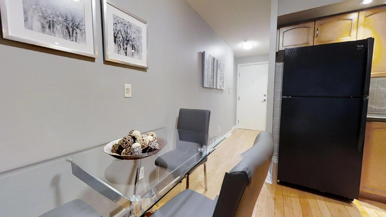 dining area toronto furnished apartment near wellington street
