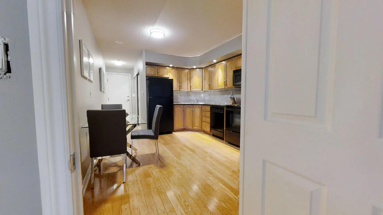hardwood floor in a toronto furnished apartment near wellington
