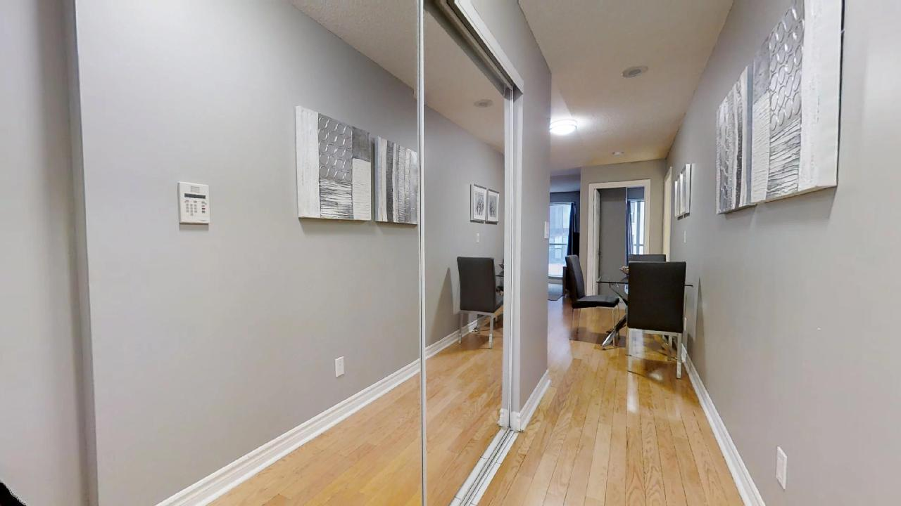 front hallway in a toronto furnished apartment near wellington